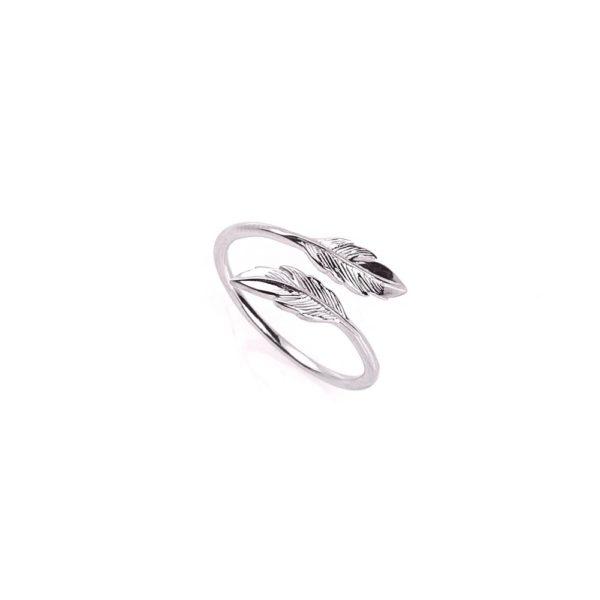 Pierścionek boho srebrny z piórkami